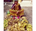 ambulante venditore frutta tropicale tipica banane cocomere derjeeling india